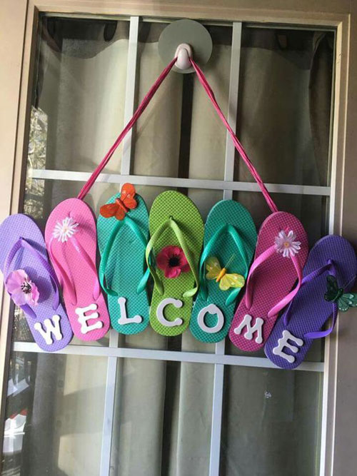 37 Awesome DIY Summer Projects - Flip Flop Welcome Sign