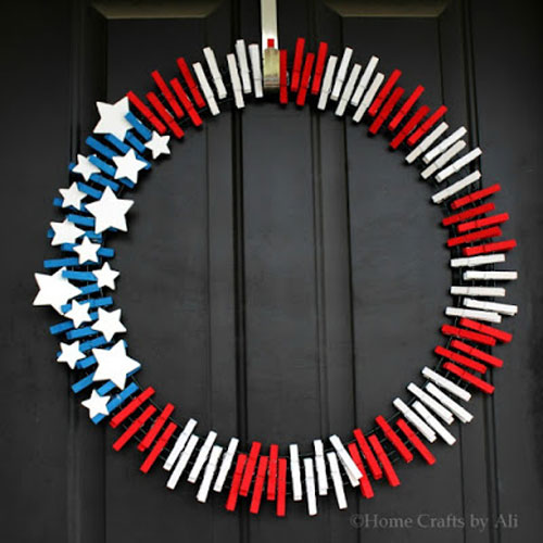37 Awesome DIY Summer Projects - Patriotic Wreath