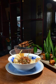 Mie Ayam Egg Noodles with chicken quail eggs and baby prawns