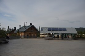 Another view of the Teklanika rest area from our return trip.