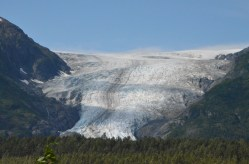 Long shot of the glacier.