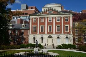 The Pennsylvania Hospital (Franklin's) http://www.ushistory.org/franklin/philadelphia/hospital.htm