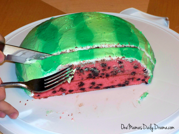 Watermelon cake recipe & instructions | One Mama's Daily Drama --- Celebrate summer with a cake that looks like a watermelon!