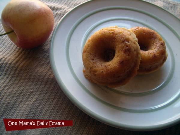 Apple cinnamon baked doughnuts recipe | One Mama's Daily Drama {Using the new KitchenAid® Professional-Grade Nonstick 6-Cavity Mini Doughnut Pan}