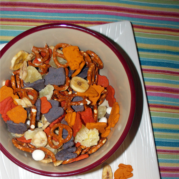 Spring bunny snack mix