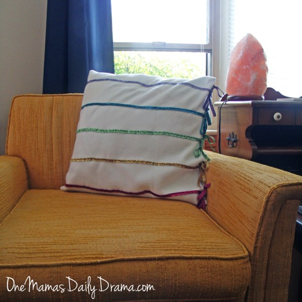 DiY rainbow ribbon pillow: simple sewing project for spring | One Mama's Daily Drama