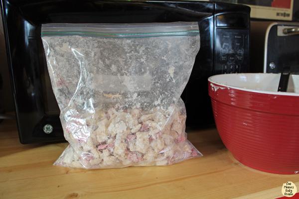 Strawberry lemonade chex: shake to coat