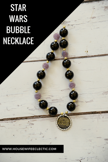 DiY Star Wars bubble necklace from Housewife Eclectic