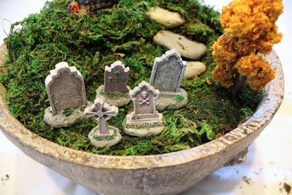 Halloween terrarium miniature graveyard