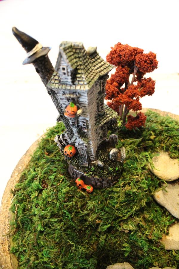 Halloween terrarium witch house