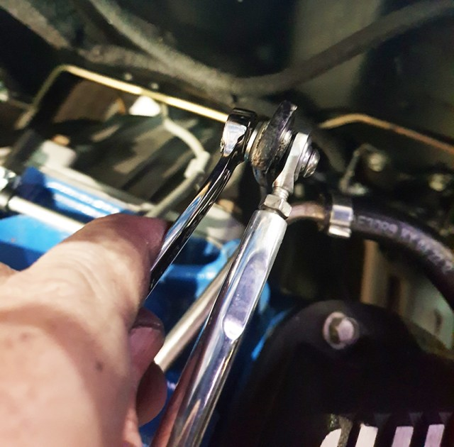 This image has an empty alt attribute; its file name is billet-throttle-rod-27.jpg
