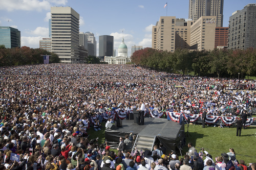 Barack Obama Speaks to 100,000
