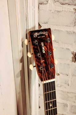 John_Mayer_custom_Martin_SC-41_headstock_onemanz.com
