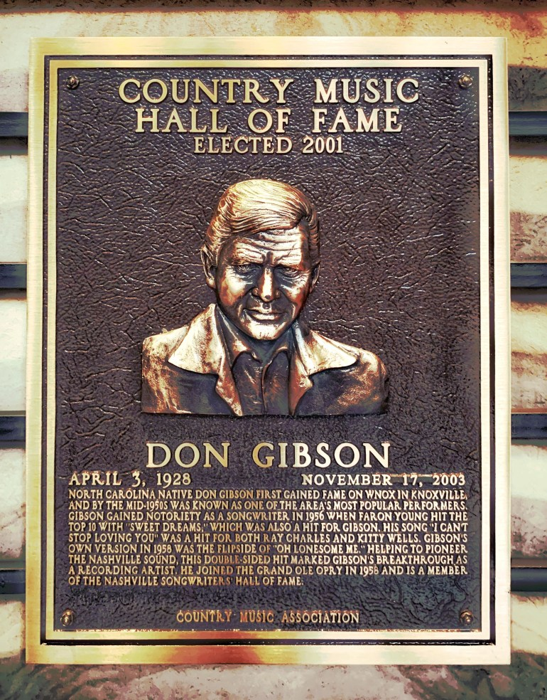 Don Gibson at the Country Music Hall of Fame in Nashville, Tennessee
