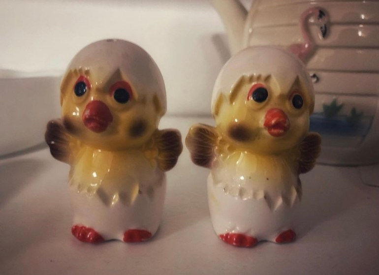 Tiny Chicks Vintage Salt and Pepper Shakers:  An Afternoon of Antiques in Snohomish, Washington