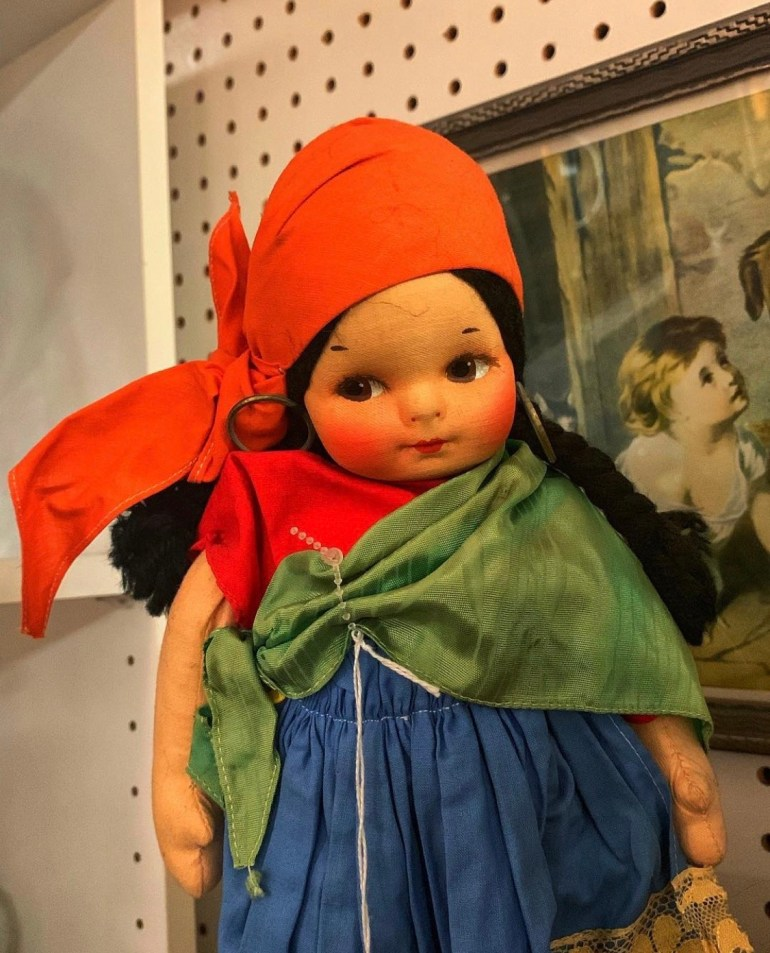 Doll Face: An Afternoon of Antiques in Snohomish, Washington