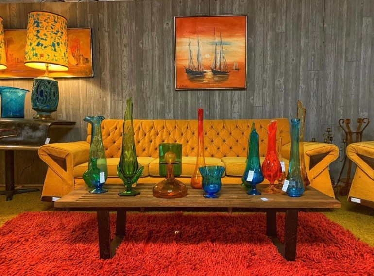 Colorful Vintage Glass:  An Afternoon of Antiques in Snohomish, Washington