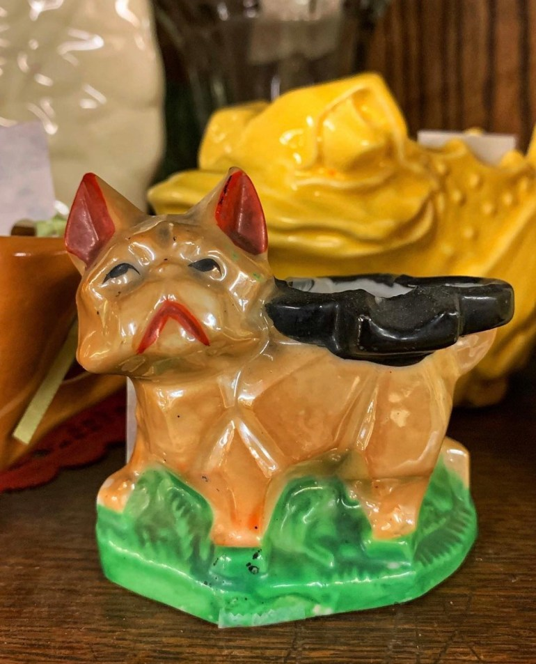 Pouty Dog:  An Afternoon of Antiques in Snohomish, Washington
