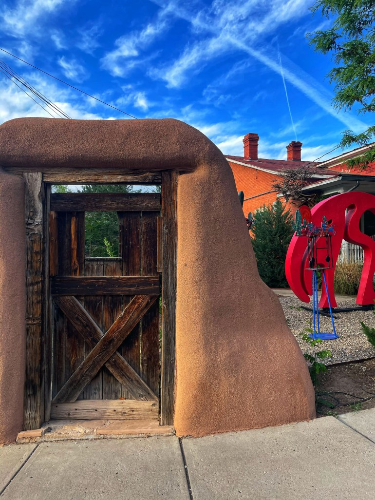 Street Photography: Scenes from Canyon Road in Santa Fe, New Mexico