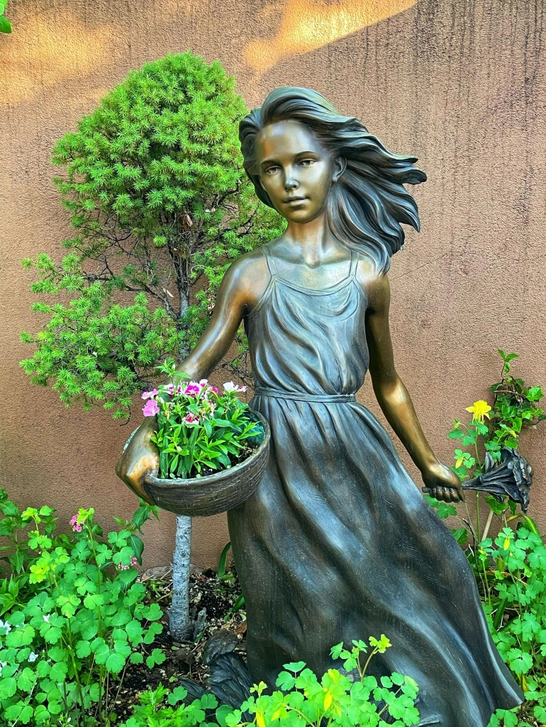 Saturday Sculpture: Green and Bronze on Canyon Road in Santa Fe