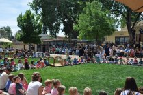 Little citizens on the lawn and big citizens in the audience