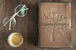 Prastara Leather Journal Tree of Life Writing Notebook – Handmade Leather Bound Daily Notepads for Men & Women Blank Paper 7 x 5 inch – Best Gift for Art Sketchbook, Travel Diary to Write in