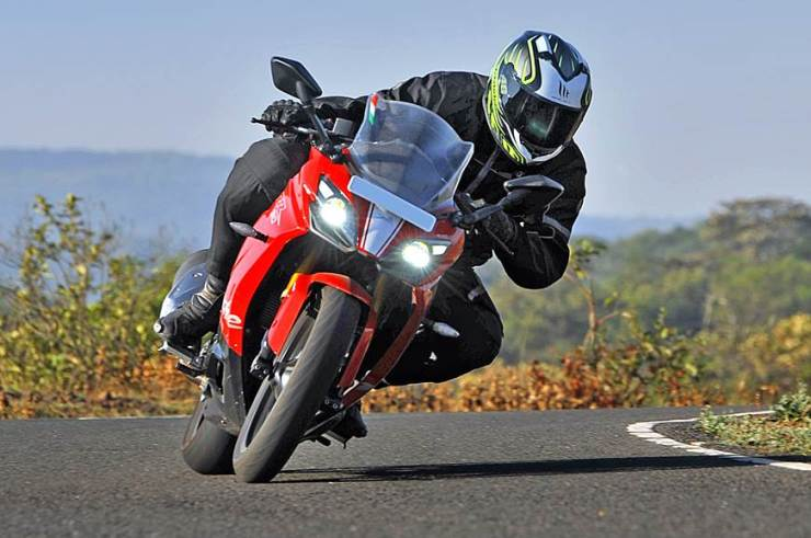 Learn bike riding from Onemoto, Motorcycle cornering, how to get a driving licence in india