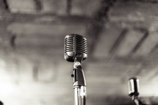 Microphone for singing
