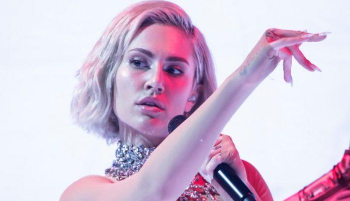 Eurovision 2021 Κύπρος: Σάρωσε η Έλενα Τσαγκρινού στην πρόβα. Πανικός στα στοιχήματα [video]