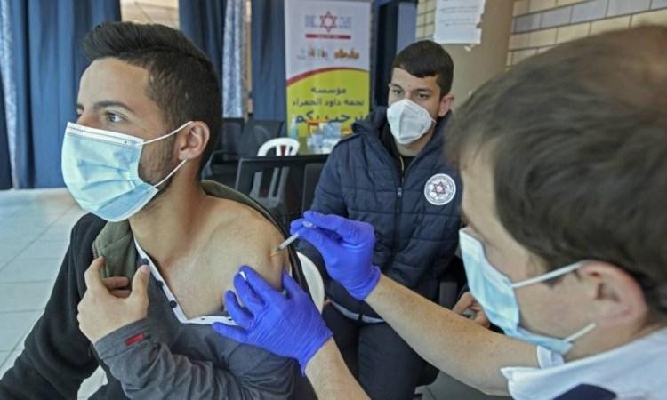 Οριστικό: Υποχρεωτικό το πιστοποιητικό εμβολιασμού σε ιδιωτικό και δημόσιο τομέα – Αυτά ισχύουν για τους ανεμβολίαστους