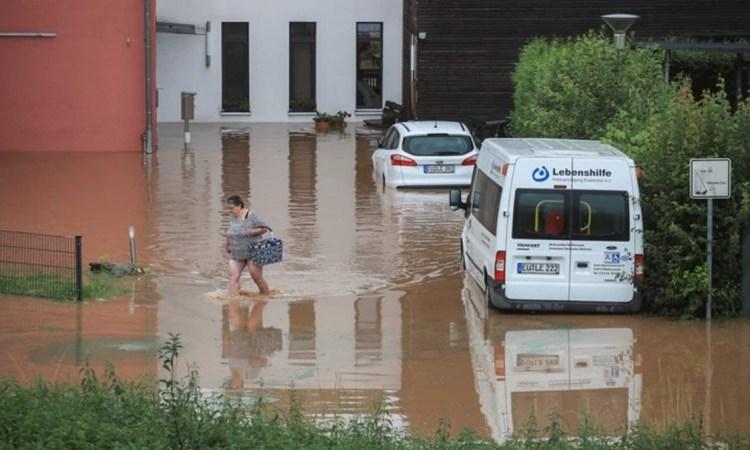 Γερμανία: Χάος από τις πλημμύρες, 30 αγνοούμενοι – Τα βίντεο κόβουν την ανάσα