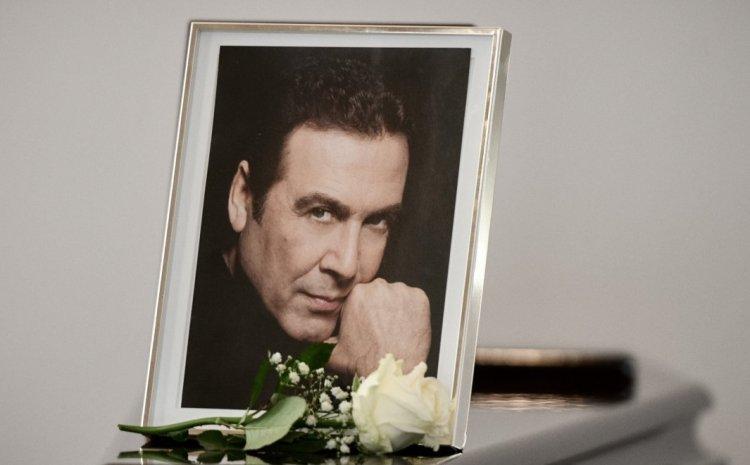 Τόλης Βοσκόπουλος: Ηχηρές απουσίες από την κηδεία του