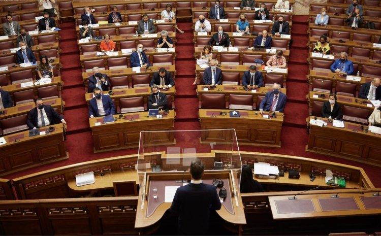 Φωτιές: Προ ημερησίας συζήτηση αρχηγών στη Βουλή στις 25 Αυγούστου