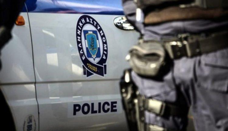 Χαλκίδα: Ημίγυμνος άνδρας έκοβε βόλτες κρατώντας μαχαίρι στο παλιό νοσοκομείο