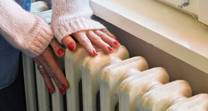 Ανατροπή για επιδότηση θέρμανσης: Σκρέκας – «Όλοι θα λάβουν, ανεξαρτήτως εισοδηματικών κριτηρίων»