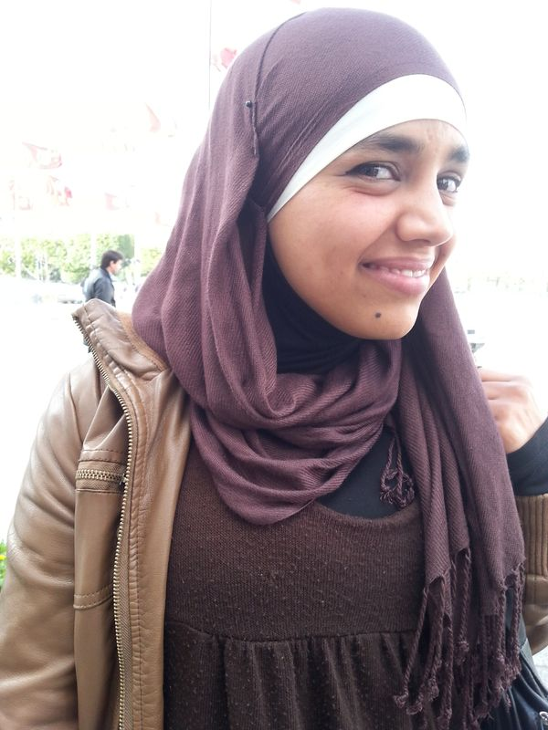 Fatma from tunis spares some change