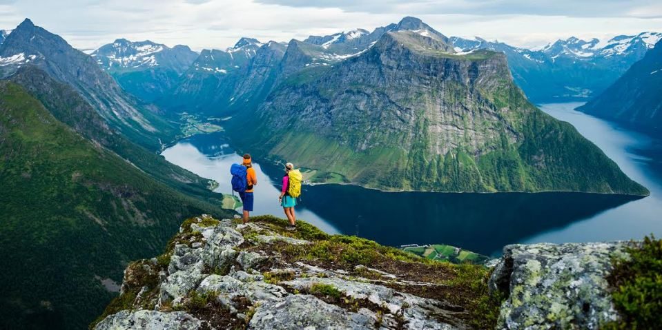 hiking in norway, norway adventure, backpacking europe