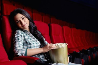 is-it-okay-to-go-to-movies-alone-830898725-oct-16-2012-1-600x400