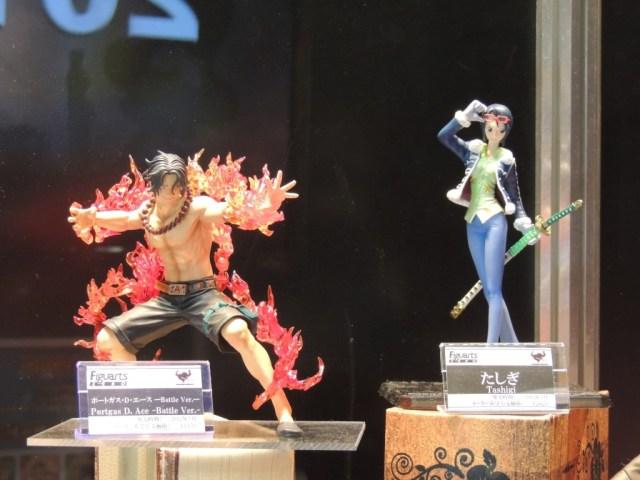 【画像レポ:東京おもちゃショー2012】バンダイブース フィギュアーツZERO エース Battle Ver./たしぎ