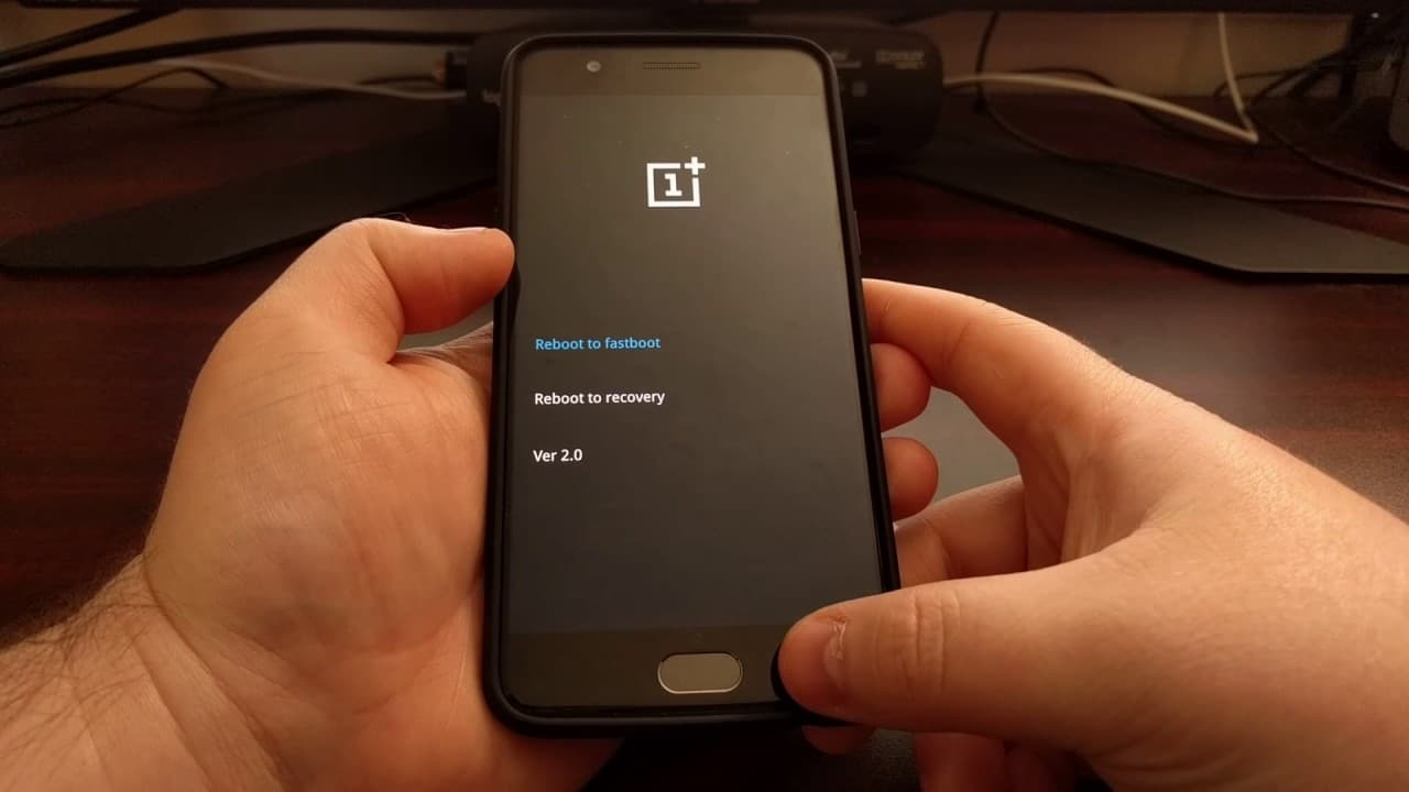 OnePlus reboot to recovery for after unlocking black screen