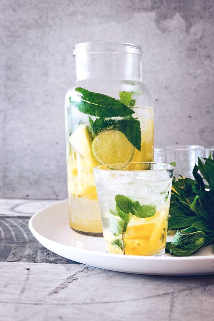 3 Simple And Super Healthy Natural Remedies To Start Your Day With - Lemon Water - Healthy Habits