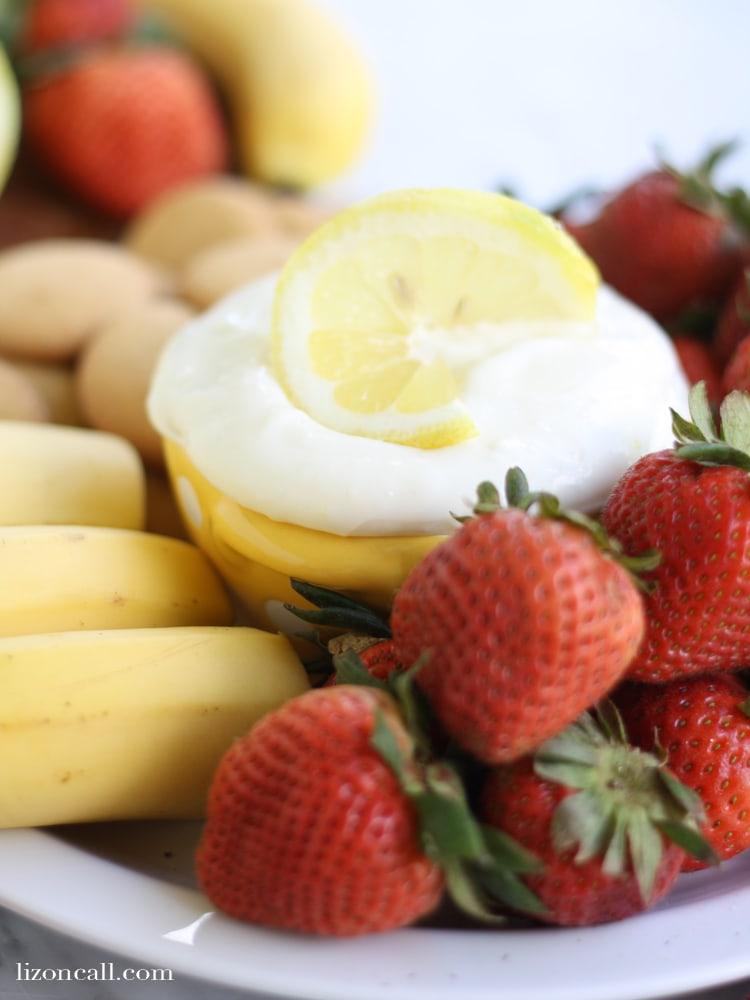 Easy lemonade fruit dip at lizoncall.com