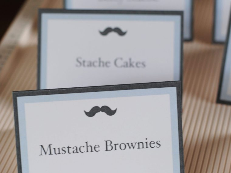 How to make food tent cards