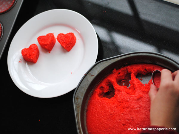 heart-filled-cupcakes