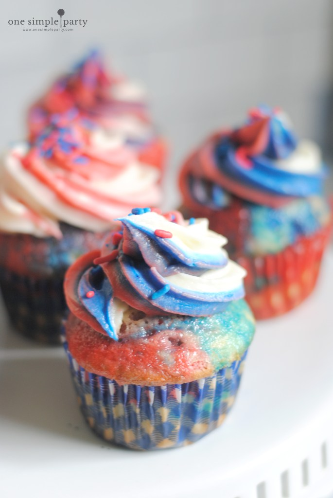 red-white-and-blue-cupcakes