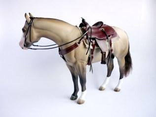 mahogany-saddle-with-horse-04-flipped
