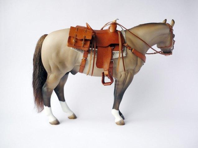 Cricket with tan saddle