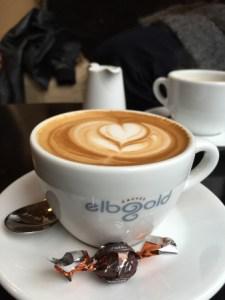 Helt fantastisk kaffe får du på Elbgold. Kaffebaren er lidt svær at finde, men det er besværet værd.
