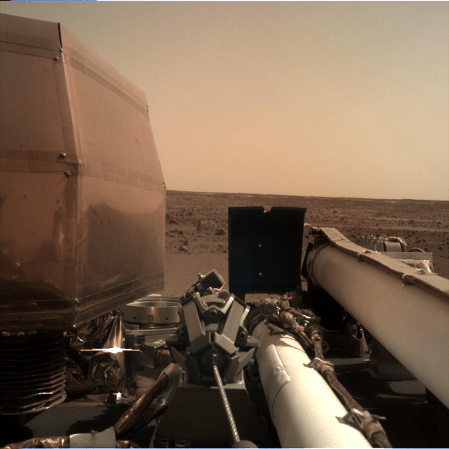 _mars.nasa.gov_insight-raw-images_surface_sol_0000_idc_D000M0000_596535424EDR_F0000_0106M_