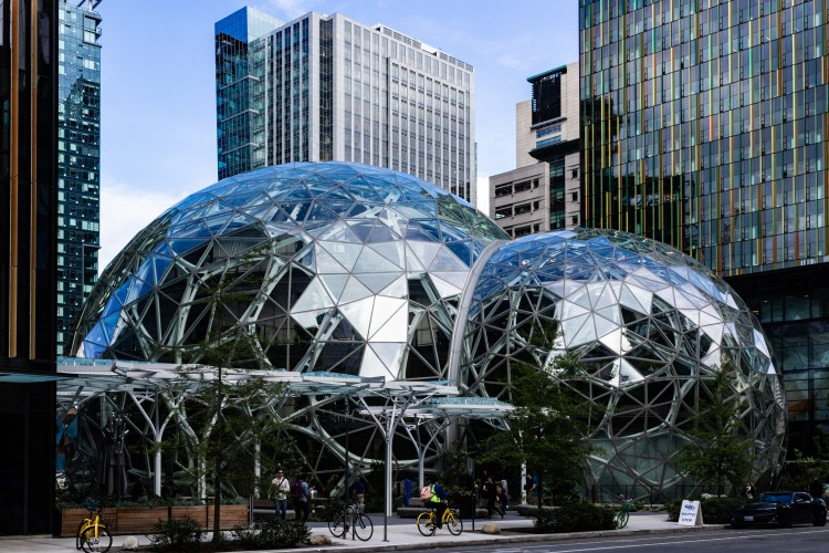 Amazon_Seattle_Spheres_on_May_10,_2018